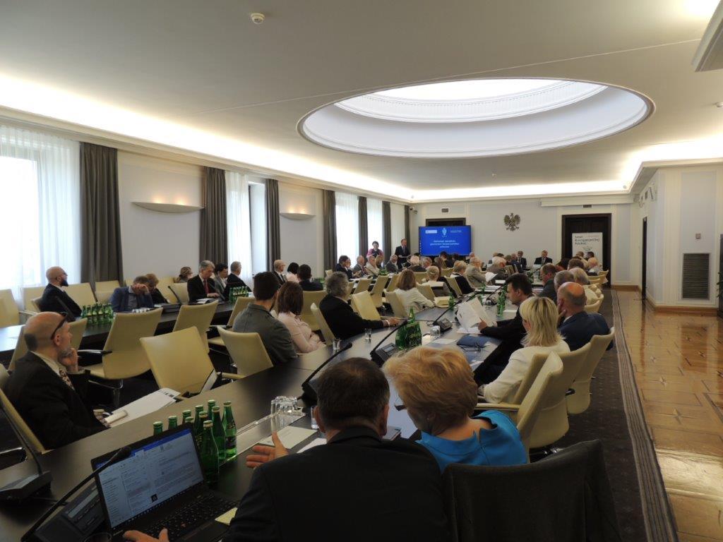 """Warszawska Izba na konferencji """"Samorząd zawodowy gwarantem bezpieczeństwa jednostki"""""""