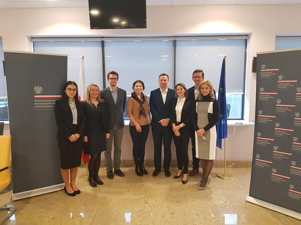 Radcy prawni z Izby warszawskiej udzielali bezpłatnych konsultacji w Konsulacie Generalnym RP w Manchesterze