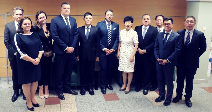Delegacja prawników z Chin w Izbie warszawskiej -  华沙法律顾问委员会中国律师代表团